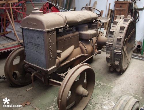 Carros antiguos tractores y m quinas agr colas - Aperos agricolas antiguos ...