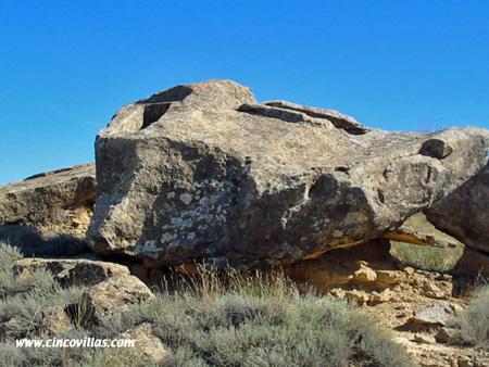 tumbas-picadas-en-la-piedra.jpg