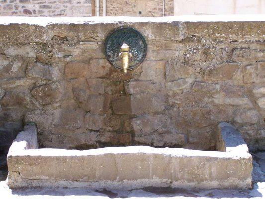 Fuente-de-la-plaza-1